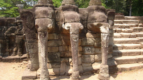 angkor-wat-elephants
