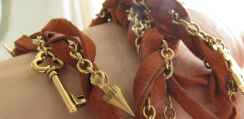 leather-charm-gold-bracelet