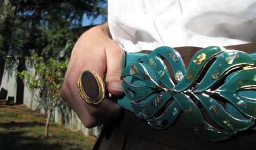 vintage-belt-detail