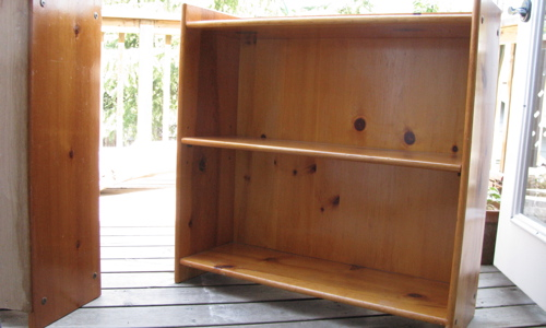 bookshelf-before