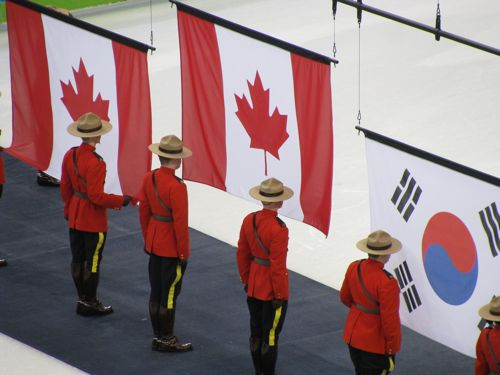 short-track-speed-skating-canada-flags