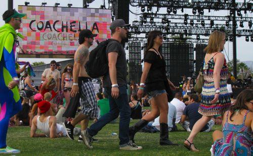 coachella-2010-crowd