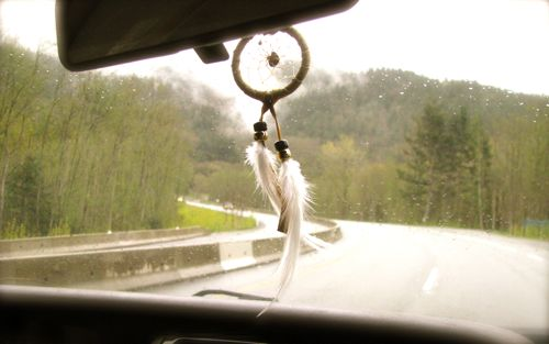 dream-catcher-rearview-window