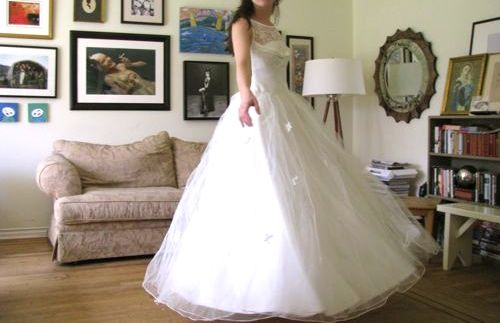 vintage-wedding-dress-before