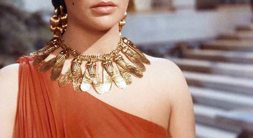elizabeth-taylor-as-cleopatra-necklace