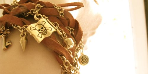 pirate-flag-bracelet