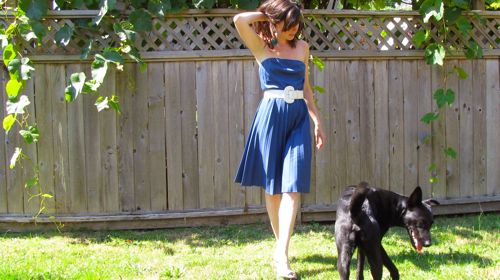 blue-vintage-pleated-dress-white-belt
