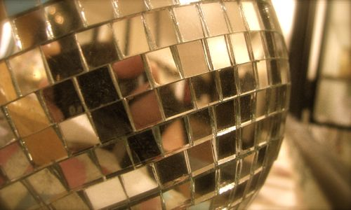 disco-ball-closeup