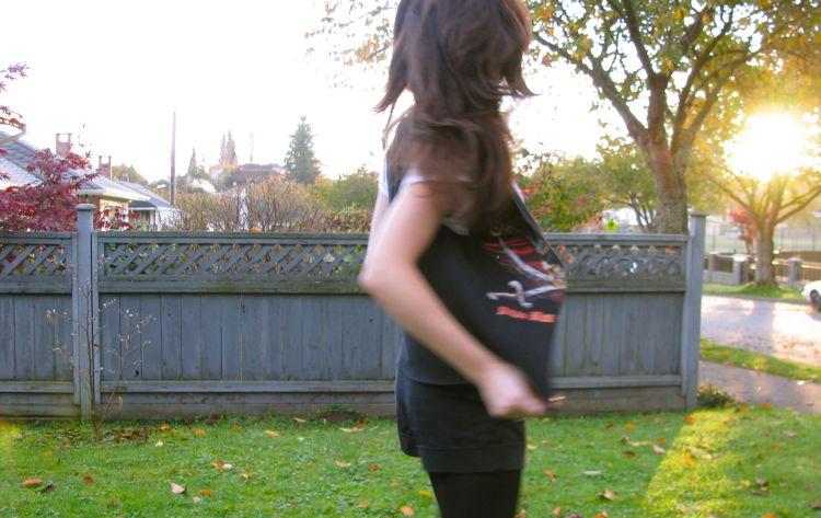 t-shirt-vest-blurred
