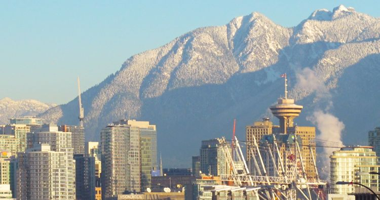 vancouver-snow-skyline