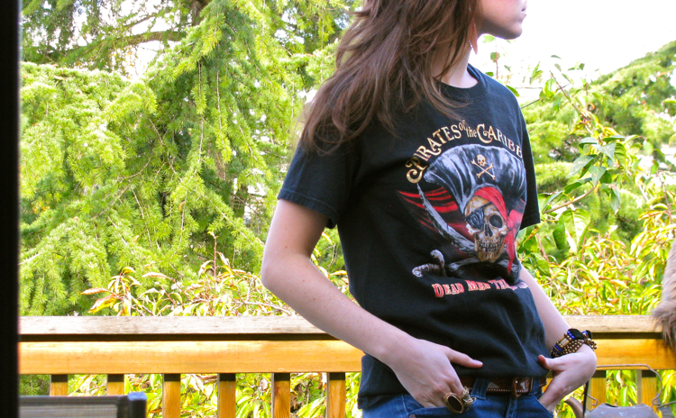 pirates-of-the-caribbean-tee