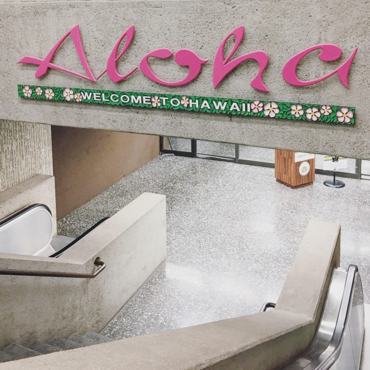 honolulu airport aloha welcome to hawaii